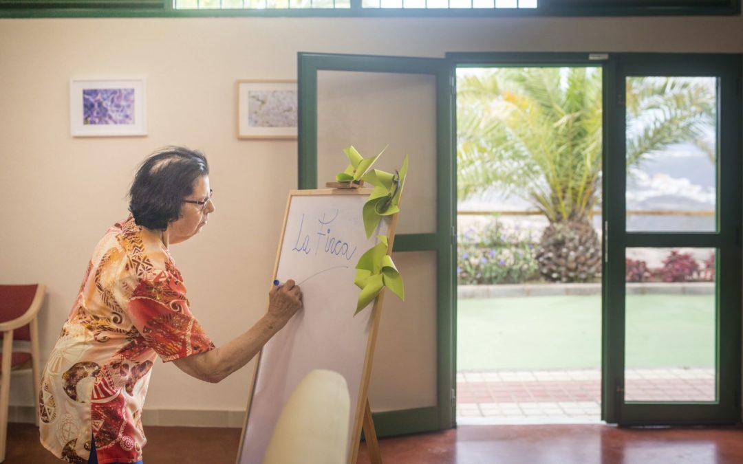 ¿Qué diferencias hay entre un centro de día para mayores y una residencia?